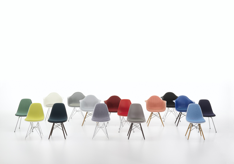 Eames Plastic Chair Group_895417_master