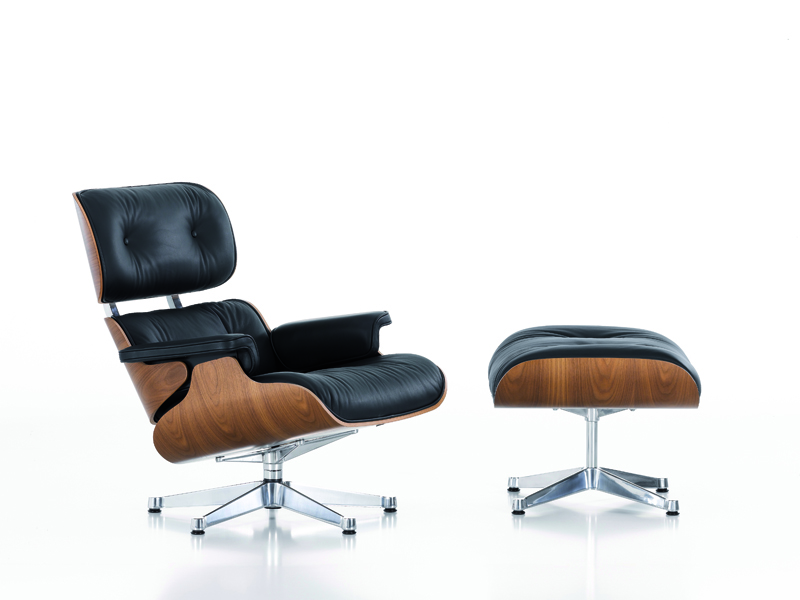 Lounge Chair & Ottoman  Shell: walnut,  Upholstery: Leather Premium 66 nero